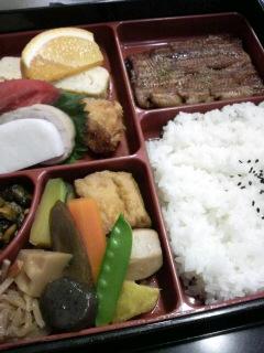 お昼だぁ〜(^<br />  ○^)