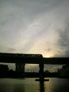 ♪秋の夕日〜に〜♪